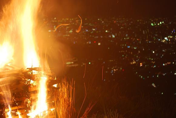 送り火11(着火).JPG